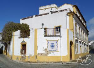 Cuba, Portugal